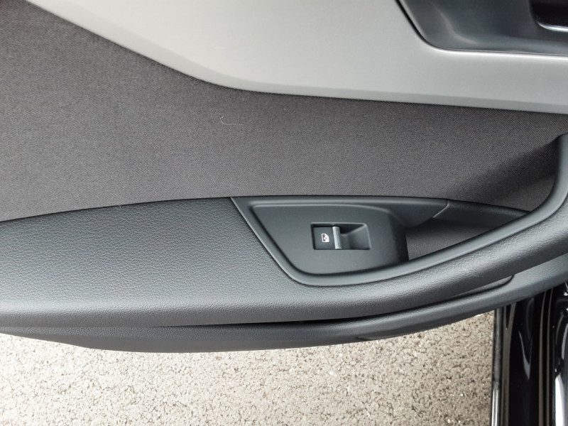 Photo 46 de l'offre de AUDI A4 Avant 40 TDI 190 S tronic 7 Business Line à 29990€ chez Centrale auto marché Périgueux