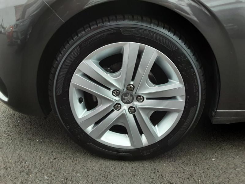 Photo 35 de l'offre de PEUGEOT 208 208 BlueHDi 100ch SetS BVM5 Signature à 13990€ chez Centrale auto marché Périgueux