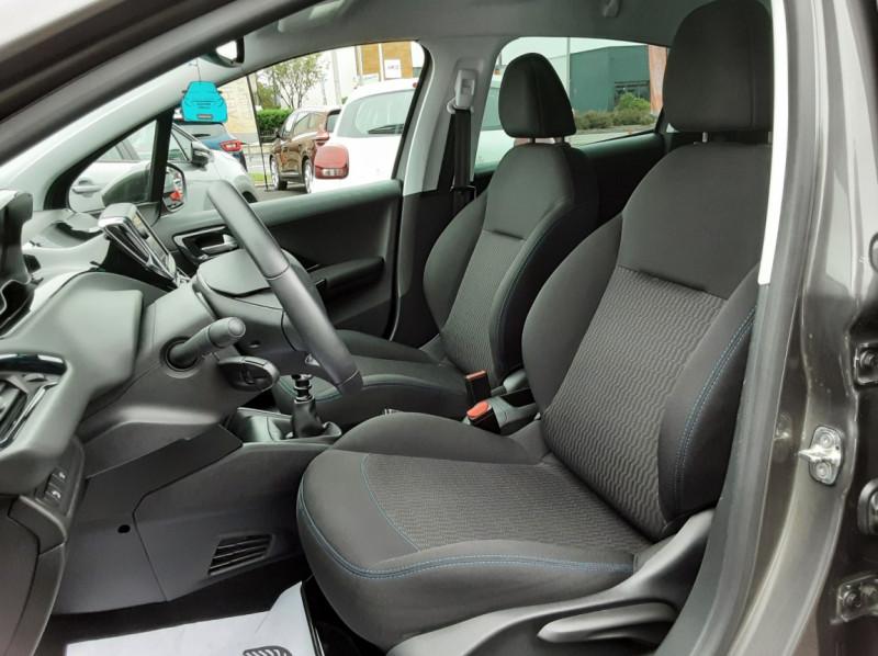 Photo 14 de l'offre de PEUGEOT 208 208 BlueHDi 100ch SetS BVM5 Signature à 13990€ chez Centrale auto marché Périgueux