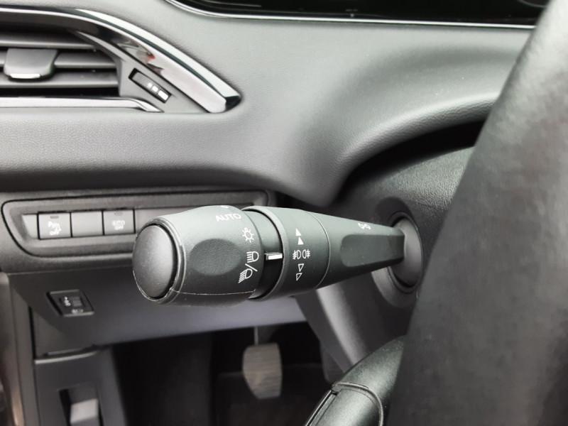 Photo 43 de l'offre de PEUGEOT 208 208 BlueHDi 100ch SetS BVM5 Signature à 13990€ chez Centrale auto marché Périgueux
