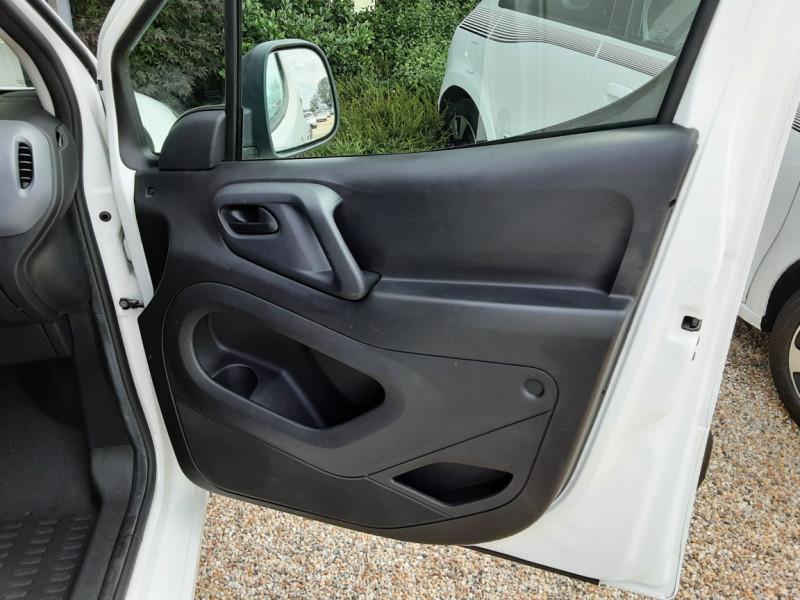 Photo 37 de l'offre de CITROEN BERLINGO 20 L1 e-HDi 90 CLUB à 9700€ chez Centrale auto marché Périgueux