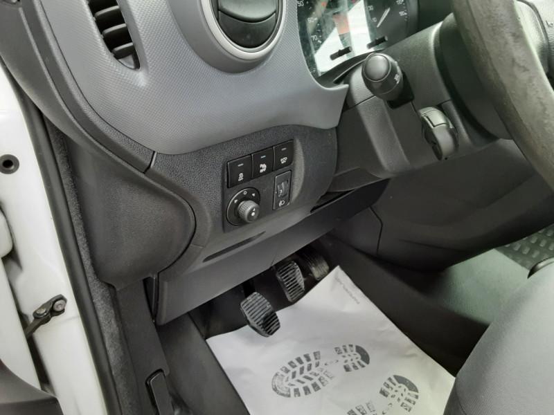 Photo 21 de l'offre de CITROEN BERLINGO 20 L1 e-HDi 90 CLUB à 9700€ chez Centrale auto marché Périgueux