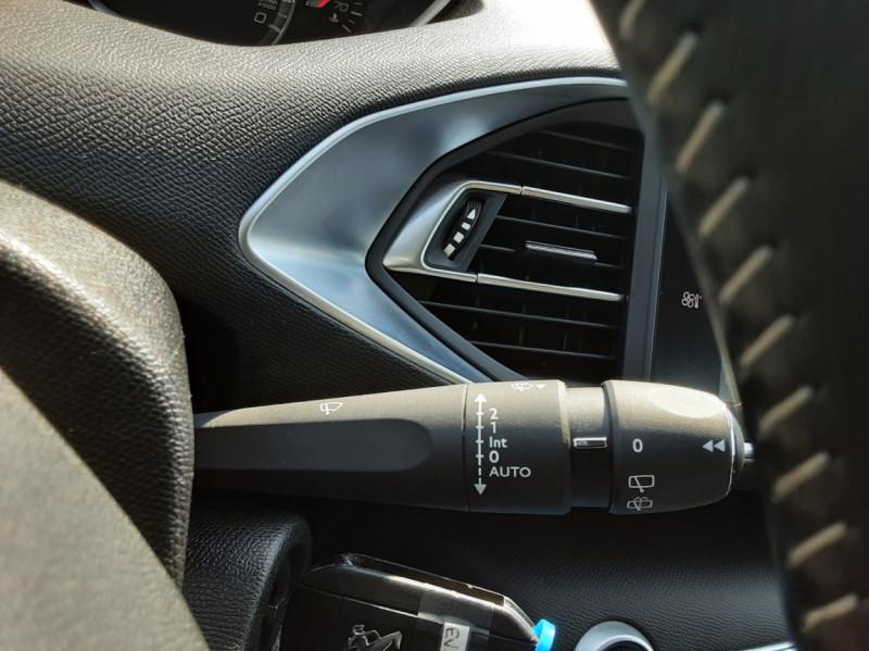 Photo 28 de l'offre de PEUGEOT 308 BlueHDi 130ch SetS BVM6 Active Business à 12900€ chez Centrale auto marché Périgueux