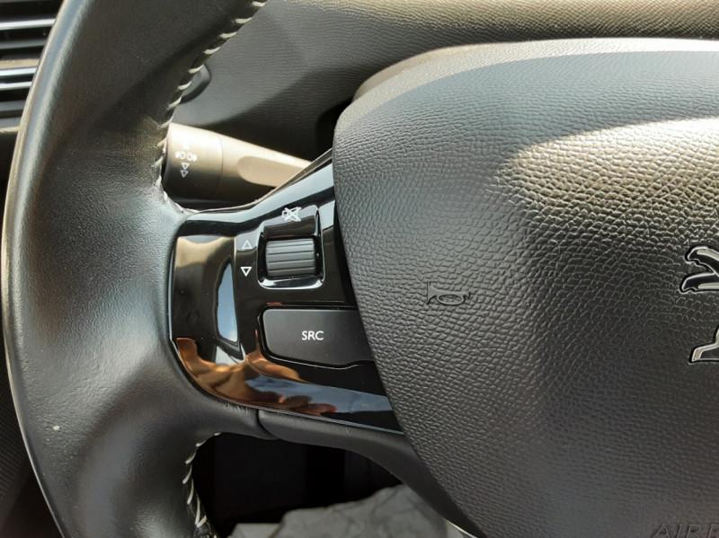 Photo 49 de l'offre de PEUGEOT 308 BlueHDi 130ch SetS BVM6 Active Business à 12900€ chez Centrale auto marché Périgueux