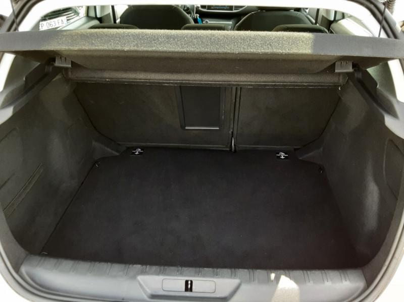 Photo 20 de l'offre de PEUGEOT 308 BlueHDi 130ch SetS BVM6 Active Business à 12900€ chez Centrale auto marché Périgueux