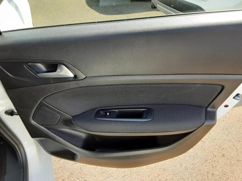 Photo 33 de l'offre de PEUGEOT 308 BlueHDi 130ch SetS BVM6 Active Business à 12900€ chez Centrale auto marché Périgueux
