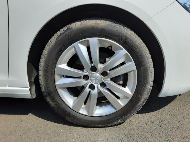 Photo 30 de l'offre de PEUGEOT 308 BlueHDi 130ch SetS BVM6 Active Business à 12900€ chez Centrale auto marché Périgueux
