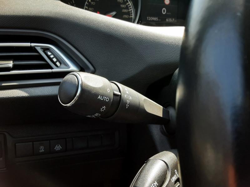 Photo 36 de l'offre de PEUGEOT 308 BlueHDi 130ch SetS BVM6 Active Business à 12900€ chez Centrale auto marché Périgueux
