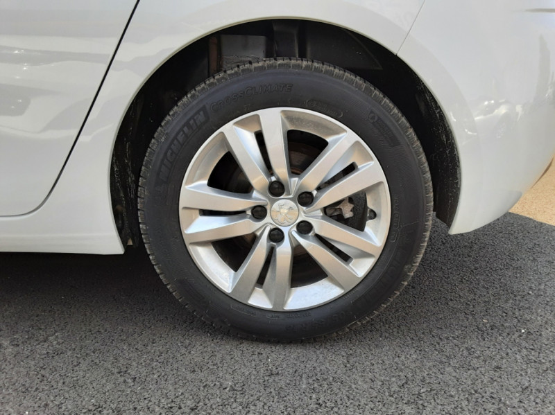 Photo 26 de l'offre de PEUGEOT 308 BlueHDi 130ch SetS BVM6 Active Business à 12900€ chez Centrale auto marché Périgueux