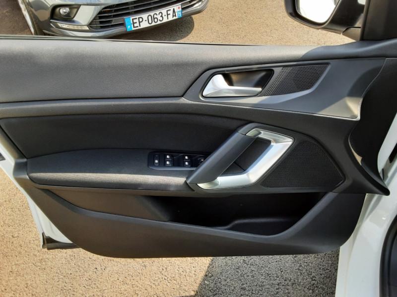Photo 41 de l'offre de PEUGEOT 308 BlueHDi 130ch SetS BVM6 Active Business à 12900€ chez Centrale auto marché Périgueux