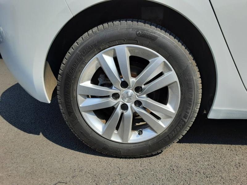 Photo 32 de l'offre de PEUGEOT 308 BlueHDi 130ch SetS BVM6 Active Business à 12900€ chez Centrale auto marché Périgueux