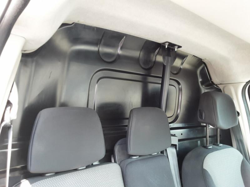 Photo 13 de l'offre de RENAULT KANGOO EXPRESS 1.5 DCI 75 ENERGY E6 CONFORT à 10300€ chez Centrale auto marché Périgueux