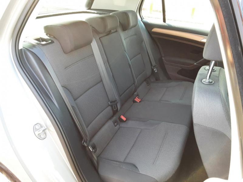 Photo 15 de l'offre de VOLKSWAGEN GOLF 1.6 TDI 110ch  BMT FAP Confortline à 13900€ chez Centrale auto marché Périgueux