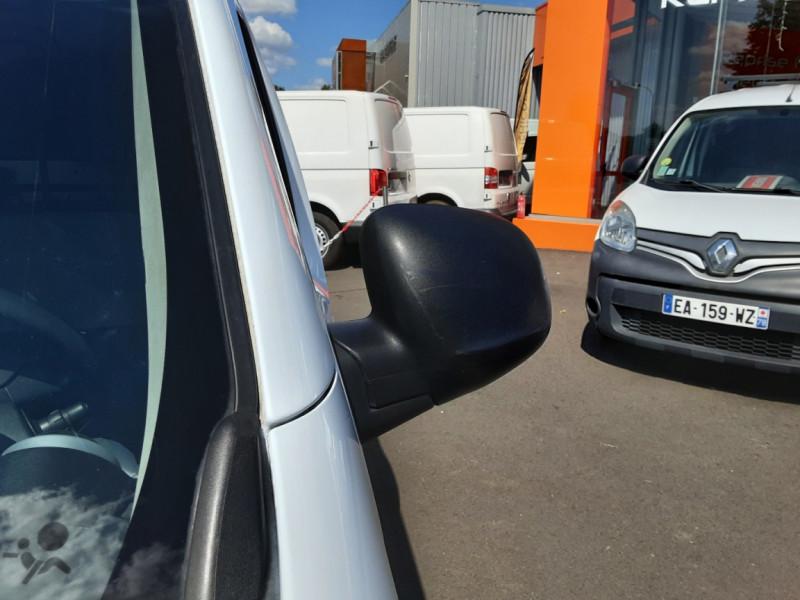 Photo 30 de l'offre de RENAULT KANGOO EXPRESS 1.5 DCI 75 ENERGY E6 CONFORT à 10300€ chez Centrale auto marché Périgueux