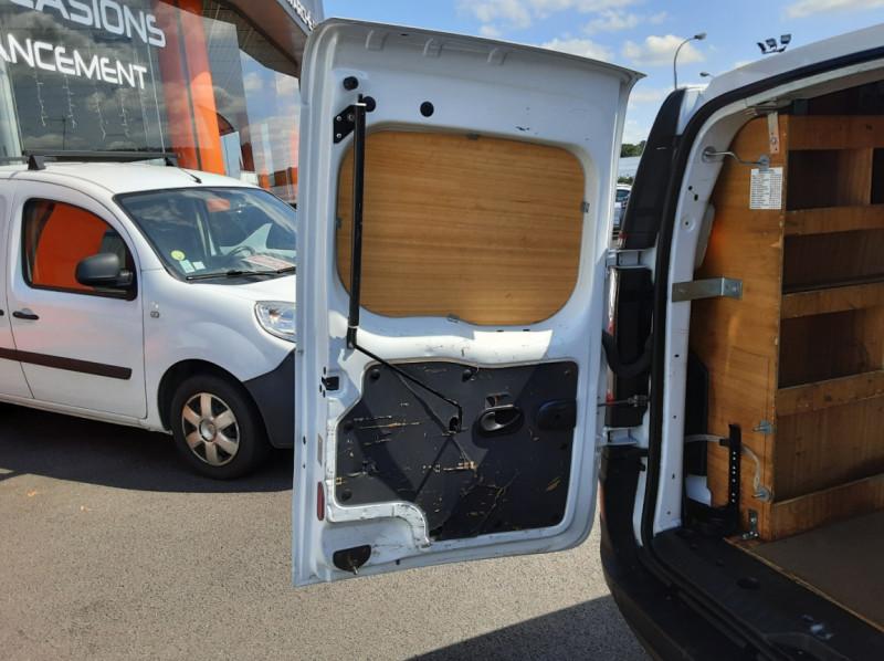 Photo 25 de l'offre de RENAULT KANGOO EXPRESS 1.5 DCI 75 ENERGY E6 CONFORT à 10300€ chez Centrale auto marché Périgueux