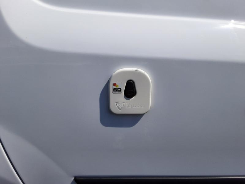 Photo 20 de l'offre de RENAULT KANGOO EXPRESS 1.5 DCI 75 ENERGY E6 CONFORT à 10300€ chez Centrale auto marché Périgueux