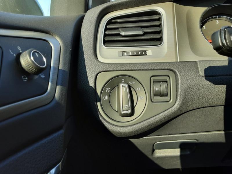 Photo 43 de l'offre de VOLKSWAGEN GOLF 1.6 TDI 110ch  BMT FAP Confortline à 13900€ chez Centrale auto marché Périgueux