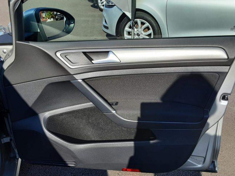 Photo 40 de l'offre de VOLKSWAGEN GOLF 1.6 TDI 110ch  BMT FAP Confortline à 13900€ chez Centrale auto marché Périgueux