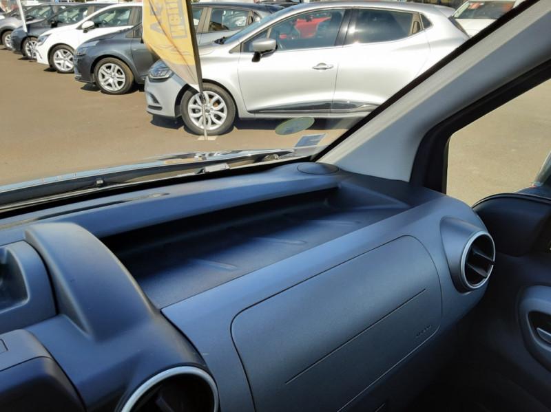 Photo 37 de l'offre de PEUGEOT PARTNER Tepee 1.6 BlueHDi 100ch SetS BVM5 Outdoor à 14990€ chez Centrale auto marché Périgueux