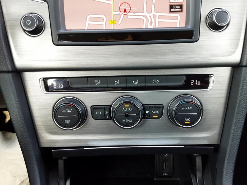 Photo 33 de l'offre de VOLKSWAGEN GOLF 1.6 TDI 110ch  BMT FAP Confortline à 13900€ chez Centrale auto marché Périgueux