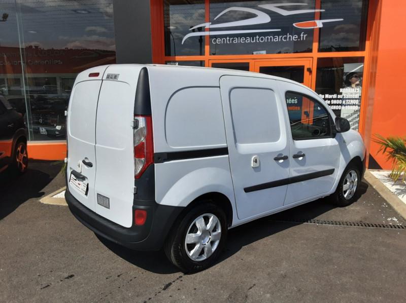 Photo 2 de l'offre de RENAULT KANGOO EXPRESS 1.5 DCI 75 ENERGY E6 CONFORT à 10300€ chez Centrale auto marché Périgueux
