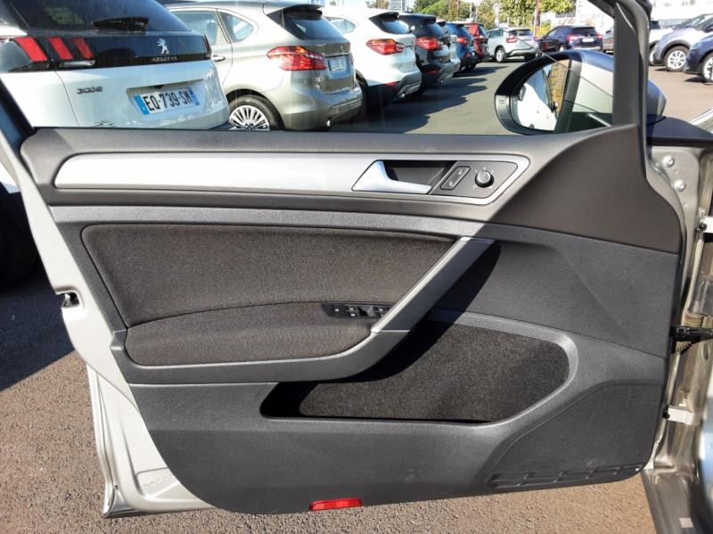 Photo 47 de l'offre de VOLKSWAGEN GOLF 1.6 TDI 110ch  BMT FAP Confortline à 13900€ chez Centrale auto marché Périgueux