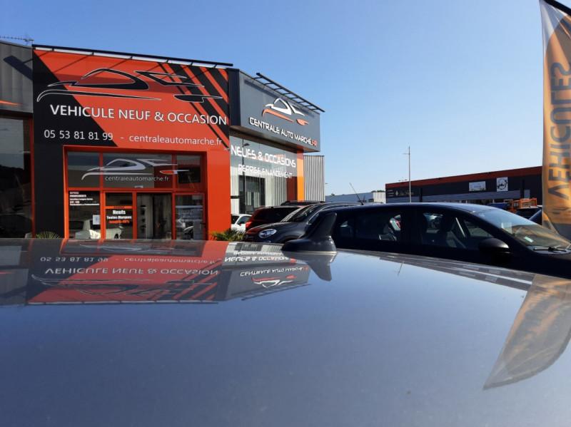 Photo 24 de l'offre de VOLKSWAGEN GOLF 1.6 TDI 110ch  BMT FAP Confortline à 13900€ chez Centrale auto marché Périgueux