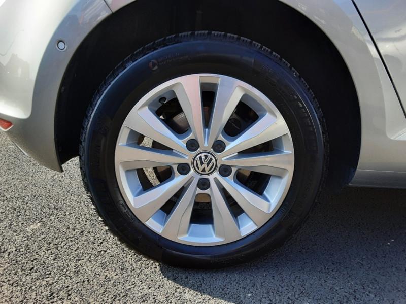 Photo 25 de l'offre de VOLKSWAGEN GOLF 1.6 TDI 110ch  BMT FAP Confortline à 13900€ chez Centrale auto marché Périgueux