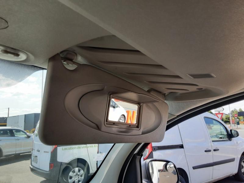 Photo 21 de l'offre de RENAULT KANGOO EXPRESS 1.5 DCI 75 ENERGY E6 CONFORT à 10300€ chez Centrale auto marché Périgueux