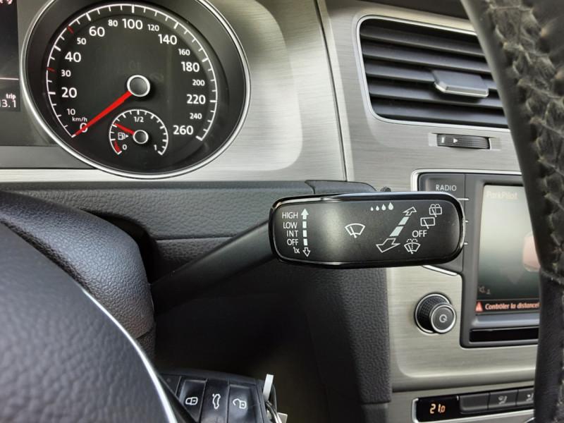 Photo 41 de l'offre de VOLKSWAGEN GOLF 1.6 TDI 110ch  BMT FAP Confortline à 13900€ chez Centrale auto marché Périgueux
