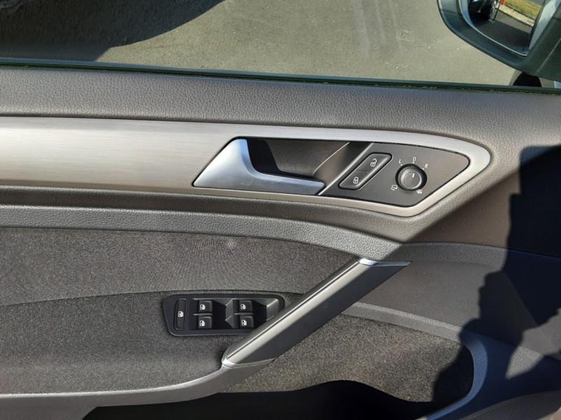 Photo 32 de l'offre de VOLKSWAGEN GOLF 1.6 TDI 110ch  BMT FAP Confortline à 13900€ chez Centrale auto marché Périgueux
