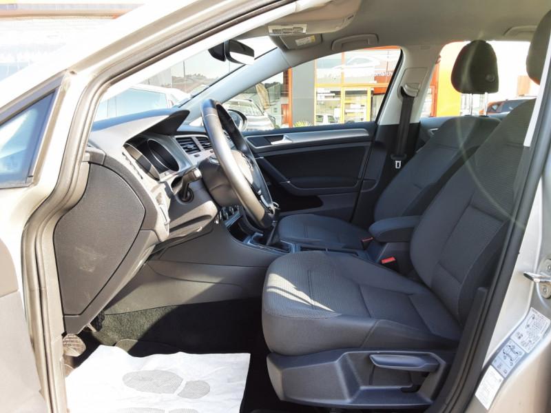 Photo 49 de l'offre de VOLKSWAGEN GOLF 1.6 TDI 110ch  BMT FAP Confortline à 13900€ chez Centrale auto marché Périgueux