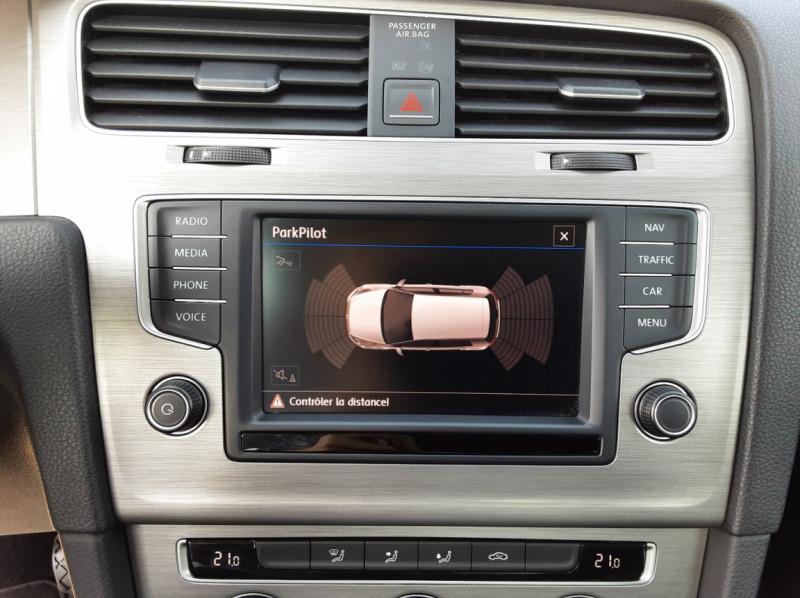 Photo 42 de l'offre de VOLKSWAGEN GOLF 1.6 TDI 110ch  BMT FAP Confortline à 13900€ chez Centrale auto marché Périgueux