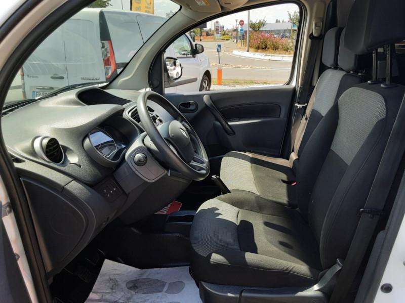 Photo 12 de l'offre de RENAULT KANGOO EXPRESS 1.5 DCI 75 ENERGY E6 CONFORT à 10300€ chez Centrale auto marché Périgueux
