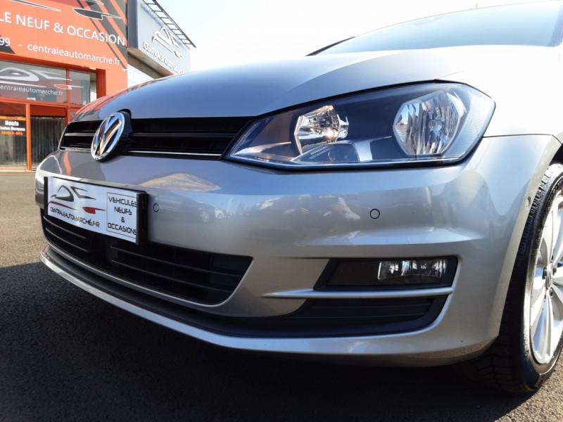 Photo 21 de l'offre de VOLKSWAGEN GOLF 1.6 TDI 110ch  BMT FAP Confortline à 13900€ chez Centrale auto marché Périgueux