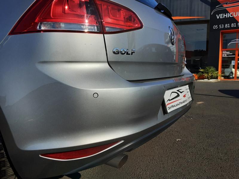 Photo 17 de l'offre de VOLKSWAGEN GOLF 1.6 TDI 110ch  BMT FAP Confortline à 13900€ chez Centrale auto marché Périgueux