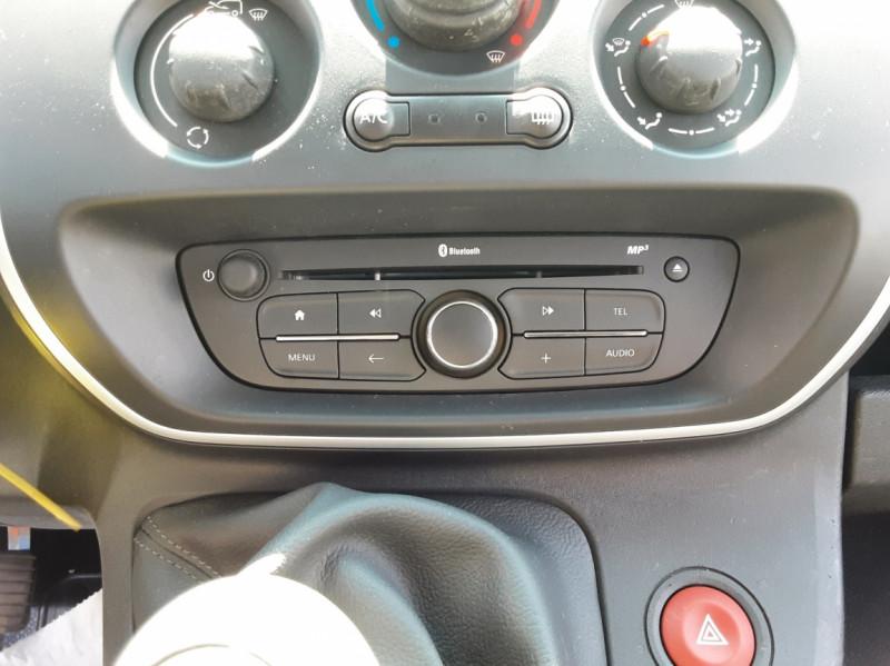 Photo 50 de l'offre de RENAULT KANGOO EXPRESS L1 1.5 DCI 90 ENERGY EXTRA R-LINK à 10500€ chez Centrale auto marché Périgueux