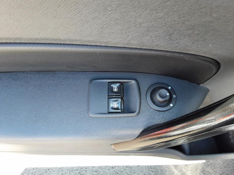 Photo 21 de l'offre de RENAULT KANGOO EXPRESS L1 1.5 DCI 90 ENERGY EXTRA R-LINK à 10500€ chez Centrale auto marché Périgueux