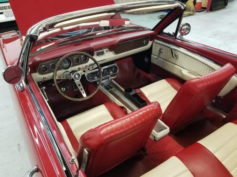 Photo 8 de l'offre de FORD MUSTANG CABRIOLET GT 1966 CODE A à 48000€ chez Centrale auto marché Périgueux