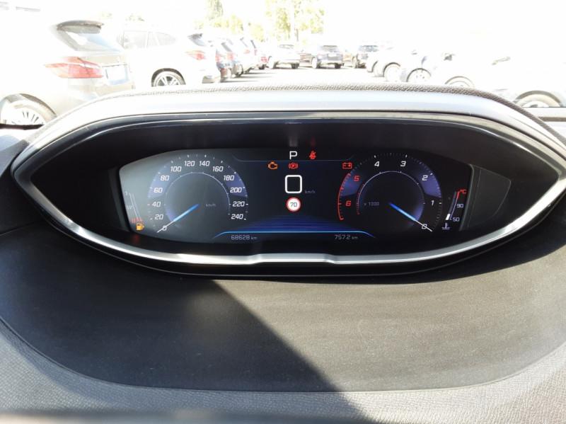 Photo 8 de l'offre de PEUGEOT 3008 1.6 BlueHDi 120ch SetS EAT6 Active Business à 22300€ chez Centrale auto marché Périgueux