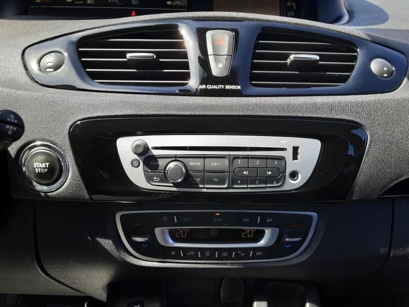 Photo 21 de l'offre de RENAULT SCENIC dCi 130 Energy FAP eco2 Bose Edition à 8900€ chez Centrale auto marché Périgueux