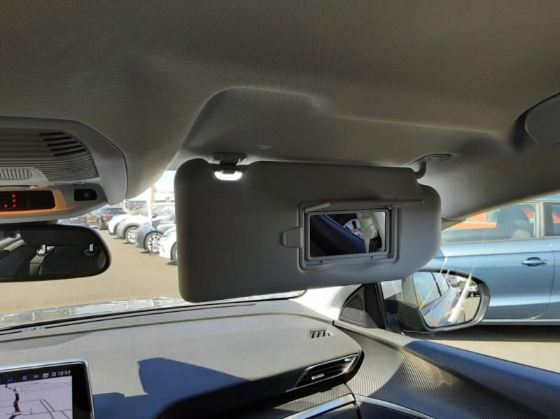 Photo 45 de l'offre de PEUGEOT 3008 1.6 BlueHDi 120ch SetS EAT6 Active Business à 22300€ chez Centrale auto marché Périgueux