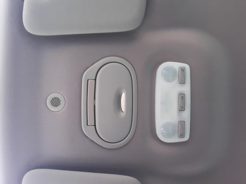 Photo 29 de l'offre de RENAULT SCENIC dCi 130 Energy FAP eco2 Bose Edition à 8900€ chez Centrale auto marché Périgueux