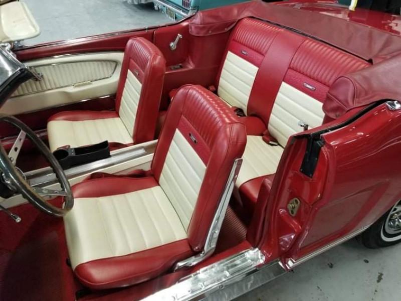 Photo 9 de l'offre de FORD MUSTANG CABRIOLET GT 1966 CODE A à 48000€ chez Centrale auto marché Périgueux
