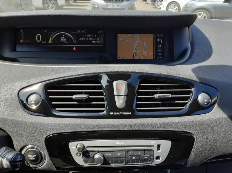 Photo 42 de l'offre de RENAULT SCENIC dCi 130 Energy FAP eco2 Bose Edition à 8900€ chez Centrale auto marché Périgueux
