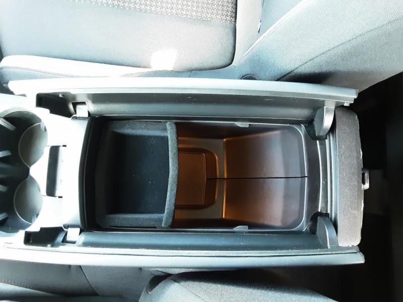 Photo 50 de l'offre de PEUGEOT 3008 1.6 BlueHDi 120ch SetS EAT6 Active Business à 22300€ chez Centrale auto marché Périgueux