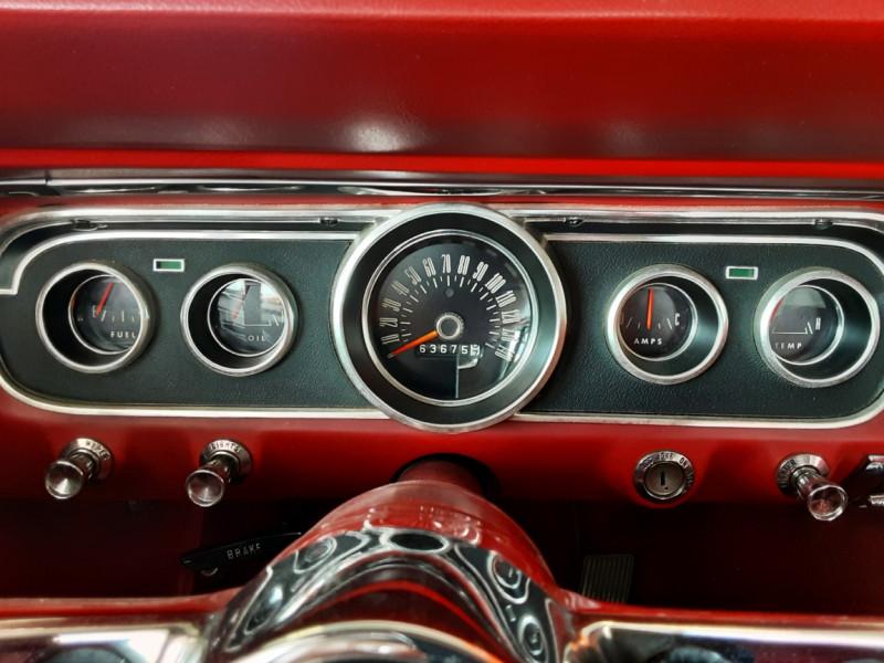 Photo 11 de l'offre de FORD MUSTANG COUPE GT V8 CODE A à 42000€ chez Centrale auto marché Périgueux