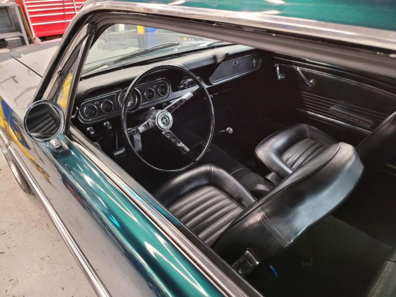 Photo 9 de l'offre de FORD MUSTANG COUPE 302 CI V8 verte à 35000€ chez Centrale auto marché Périgueux