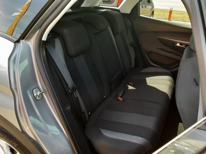 Photo 15 de l'offre de PEUGEOT 3008 1.6 BlueHDi 120ch SetS EAT6 Active Business à 22300€ chez Centrale auto marché Périgueux
