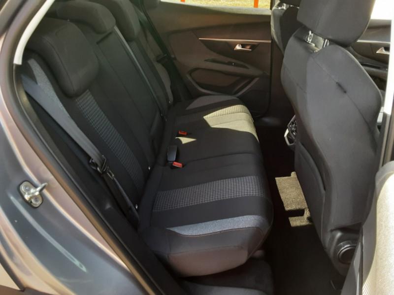 Photo 40 de l'offre de PEUGEOT 3008 1.6 BlueHDi 120ch SetS EAT6 Active Business à 22300€ chez Centrale auto marché Périgueux